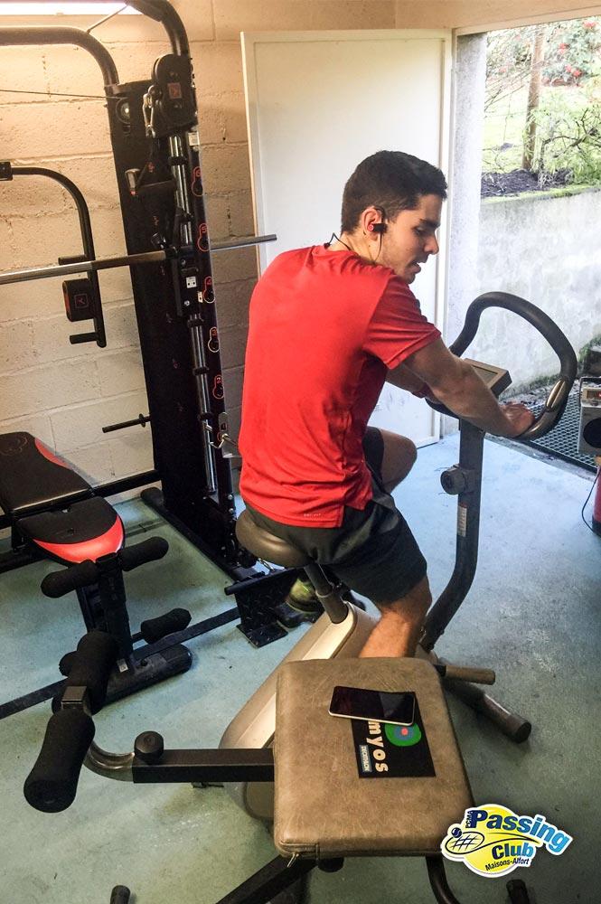 Salle de gym et musculation.